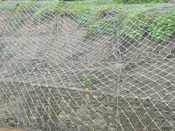 边坡挂网防护